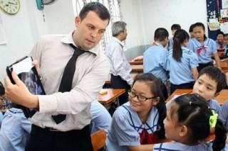Hà Nội kiểm tra xuất nhập cảnh, cư trú của lao động nước ngoài