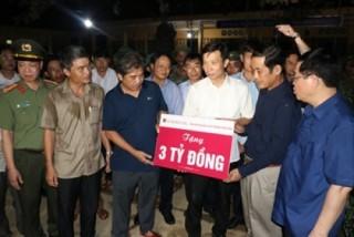 Agribank tặng 6 tỷ đồng hỗ trợ hai tỉnh Hà Tĩnh và Quảng Bình khắc phục thiệt hại do lũ lụt