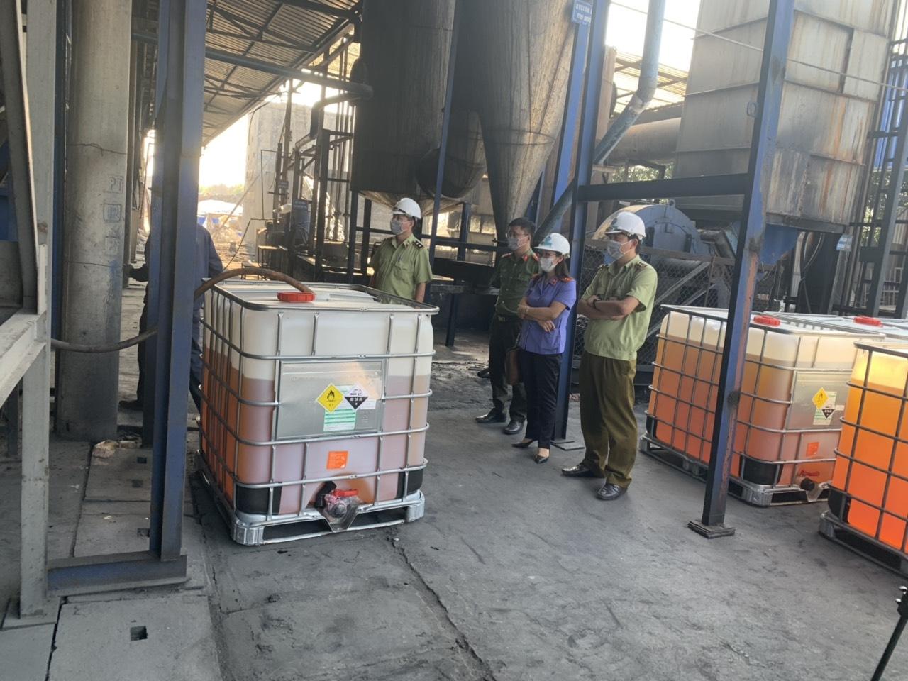 Bắc Giang: Tiêu huỷ hơn 11 nghìn lít xăng kém chất lượng