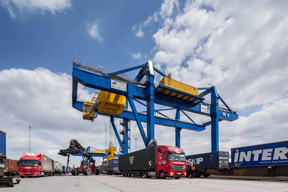 9 tháng, thu ngân sách từ xuất nhập khẩu tăng 16%