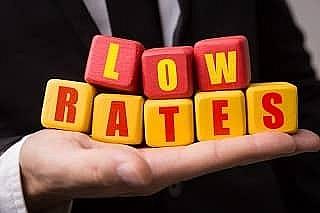 Hài lòng với lãi suất thấp là 'nguy hiểm'