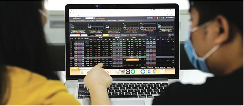 Cổ phiếu ngành nào có cơ hội tăng sau giãn cách?