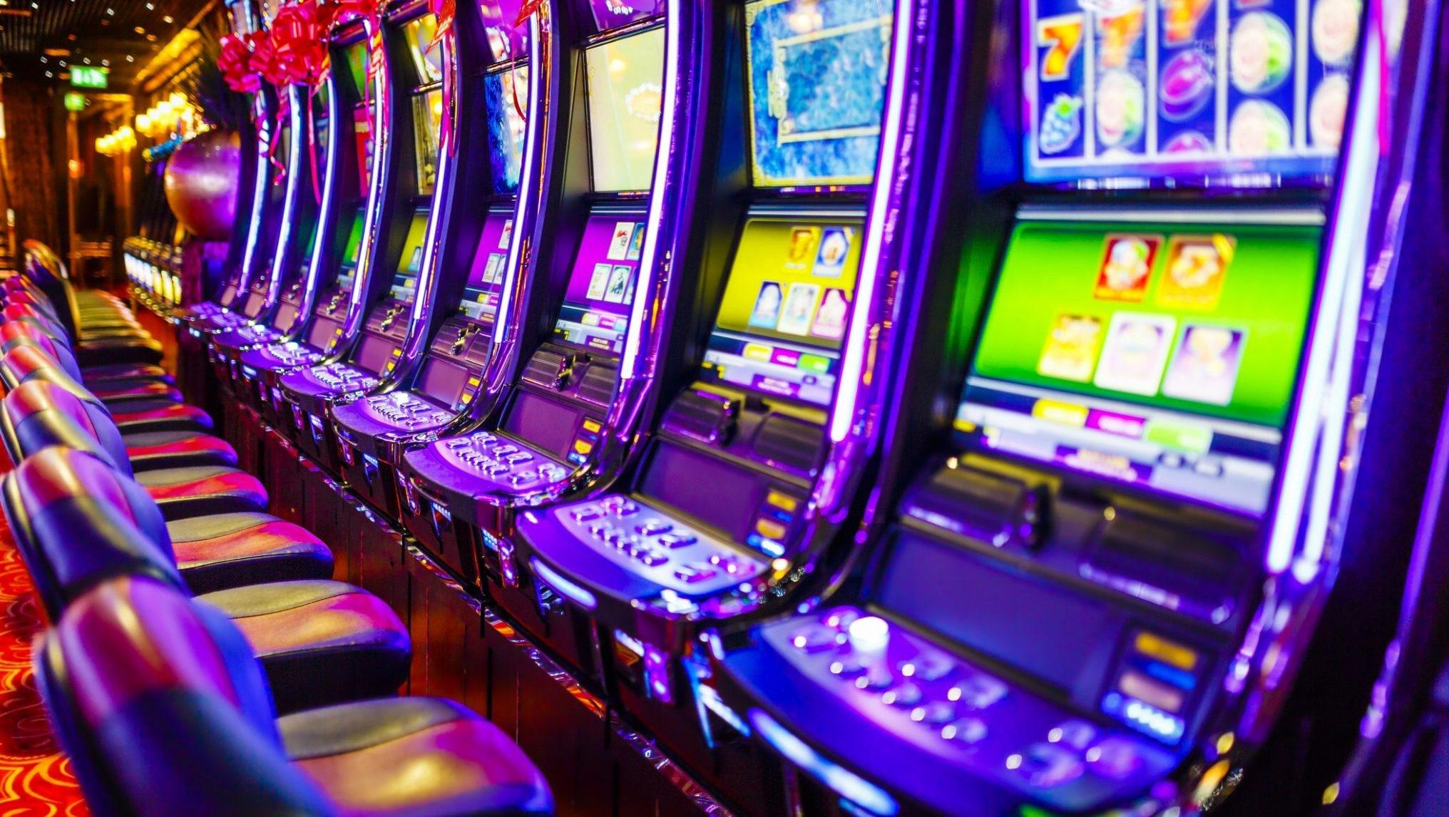 Đơn giản hóa điều kiện kinh doanh casino, chứng khoán, bảo hiểm
