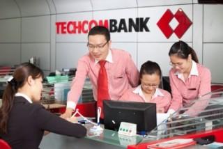 Techcombank bất ngờ giảm lãi suất huy động
