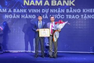 Nam A Bank nhận Bằng khen của Thống đốc
