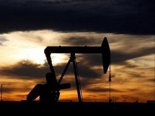 Giá dầu ổn định trong bối cảnh nguồn cung khôi phục trở lại
