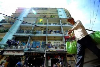 TP.HCM: Sở Xây dựng sẽ lựa chọn nhà đầu tư xây mới chung cư hư hỏng