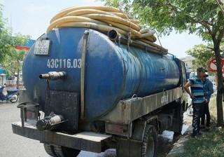 Đà Nẵng: Tài xế đổ trộm nhớt thải xuống cống bị phạt gần 123 triệu đồng