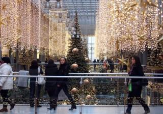 Niềm tin người tiêu dùng tại Mỹ giảm tháng thứ tư liên tiếp