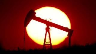 Giá dầu tăng trong bối cảnh dự trữ giảm và thị trường kỳ vọng về vắc-xin