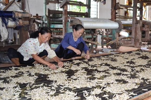 Hà Nội: Khuyến khích hộ kinh doanh chuyển đổi thành doanh nghiệp, di dời vào cụm công nghiệp
