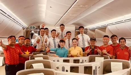 vietnam airlines bo tri sieu may bay boeing 787 10 don doan the thao viet nam