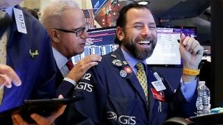 Vốn hóa thị trường chứng khoán toàn cầu tăng 17 nghìn tỷ USD trong năm 2019