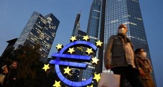 Vì sao ECB tăng mua tài sản?