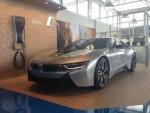 Mẫu trưng bày BMW i8 đang gây bất ngờ lớn trên eBay