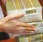 Tiền ký quỹ của DN cho thuê lao động phải được phong tỏa