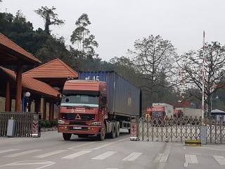 Bộ Công Thương khuyến cáo doanh nghiệp hạn chế đưa hàng lên biên giới