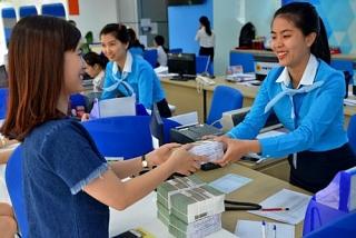"""Dịch tái bùng phát, ngân hàng sẵn sàng """"tiếp lửa"""" cho doanh nghiệp"""