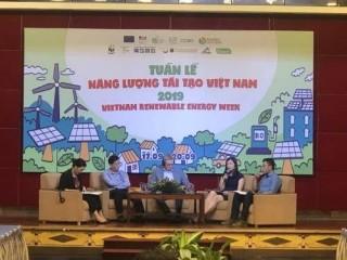 """Năng lượng tái tạo vẫn """"khát"""" vốn đầu tư"""
