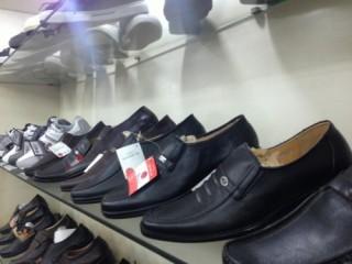Da giày Việt chật vật ở thị trường nội