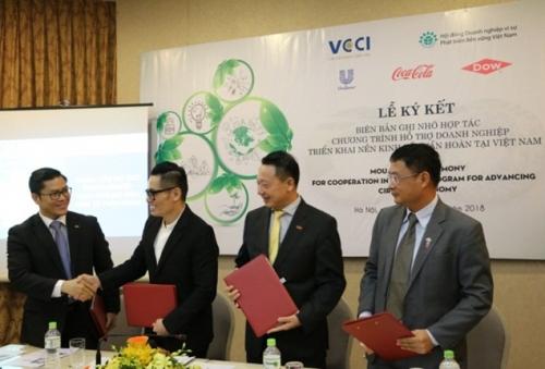 Unilever cam kết tái chế 100% rác thải từ bao bì