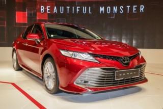 Soi chi tiết Toyota Camry 2019 có giá từ 997 triệu đồng