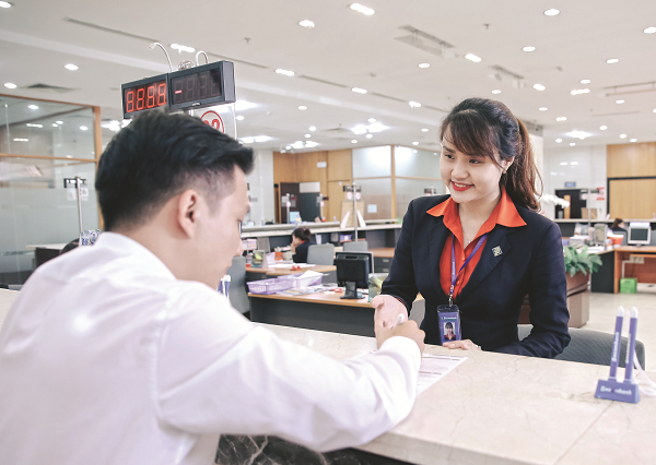 Ngân hàng đồng loạt tung ưu đãi  hút khách dịp Tết
