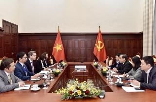 Phó Thống đốc Nguyễn Kim Anh làm việc với Giám đốc Quốc gia ADB tại Việt Nam