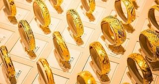 Thị trường vàng 13/1: Bạc xanh và lợi suất trái phiếu giảm đẩy giá vàng tăng