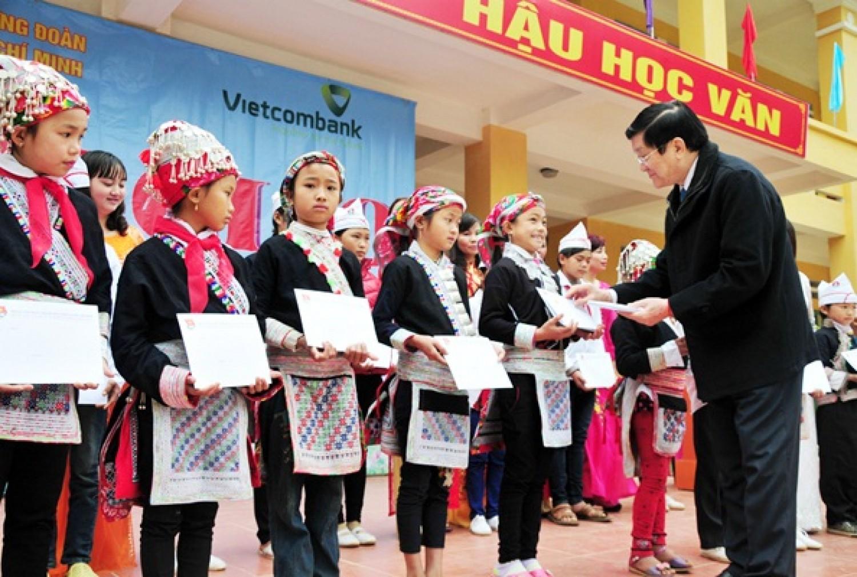 Vietcombank bàn giao 8 phòng học chức năng cho xã nghèo huyện Bát Xát