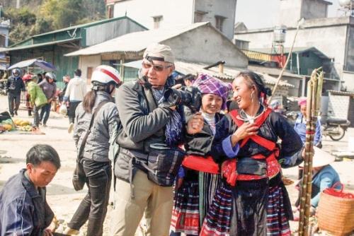 Làm du lịch theo cách người Mông