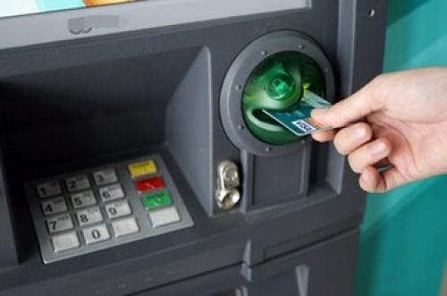 Giao dịch an toàn hơn với máy ATM dịp Tết