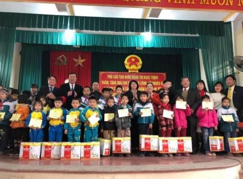 NCB 'thắp lửa' chung tay giúp người nghèo hưởng trọn Tết tình thân