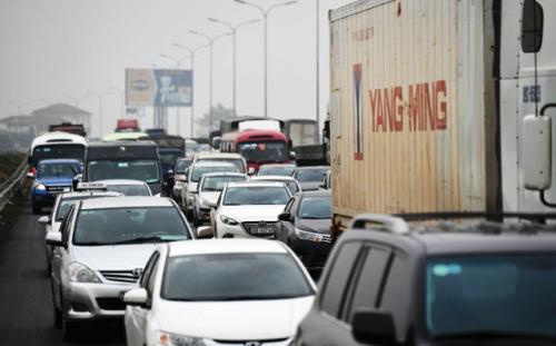 Đường cao tốc cũng quá tải