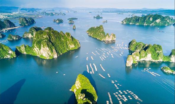 Việt Nam là điểm đến an toàn tự nhiên, các bãi biển đầy nắng, không khí rất tốt