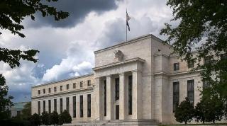 Fed cho rằng nên tiếp tục giữ nguyên lãi suất