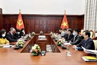 Phó Thống đốc Nguyễn Kim Anh tiếp xã giao Đại diện thường trú IMF tại Việt Nam và Lào