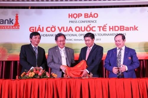Khởi tranh giải cờ vua Quốc tế HDBank 2015
