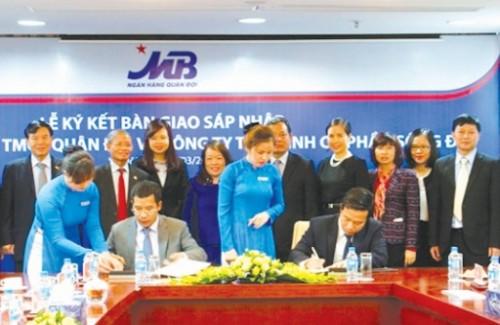 Ký kết bàn giao và công bố sáp nhập SDFC vào MB