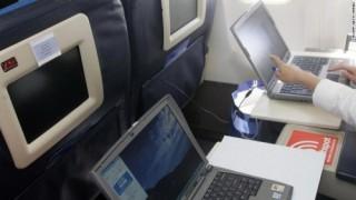 Lệnh cấm thiết bị điện tử trên khoang hành khách máy bay gây tranh cãi