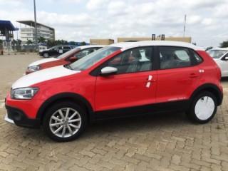 Volkswagen Polo Cross có giá bán từ 725 triệu đồng