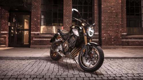 Honda CB650R có giá bán là 246 triệu đồng