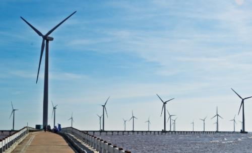 Chờ sóng lớn hơn vào năng lượng tái tạo
