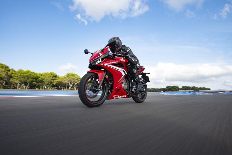 Honda CBR500R có giá 187 triệu đồng