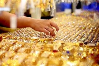 Thị trường vàng ngày 11/3: Bạc xanh ép vàng thoái lui
