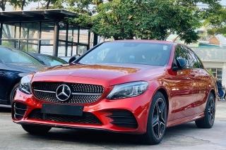Mercedes-Benz C-Class giảm giá hơn 200 triệu đồng