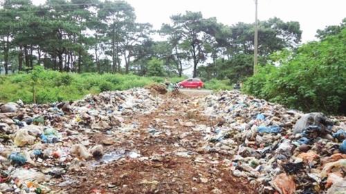 Đăk Lăk: Dân kêu trời vì rác thải
