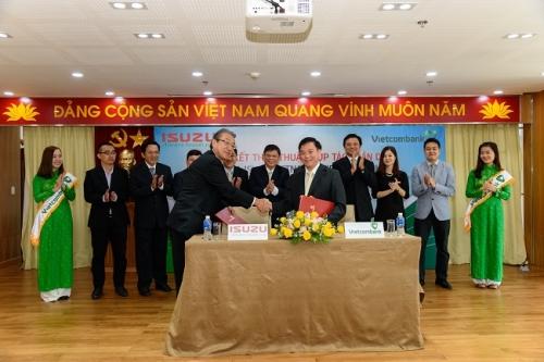 Vietcombank hợp tác toàn diện với ISUZU Việt Nam