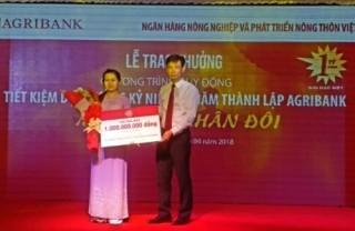 Agribank trao giải đặc biệt 1 tỷ đồng cho khách hàng trúng thưởng