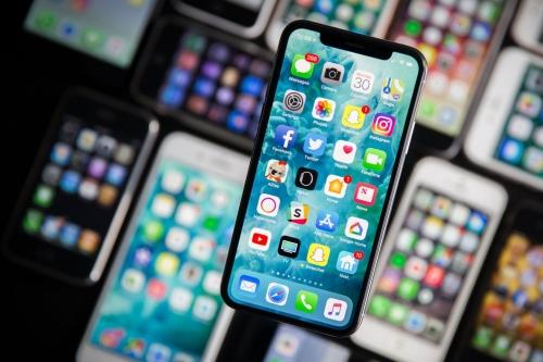 Apple Vietnam giảm giá dịch vụ thay thế pin iPhone hết hạn bảo hành